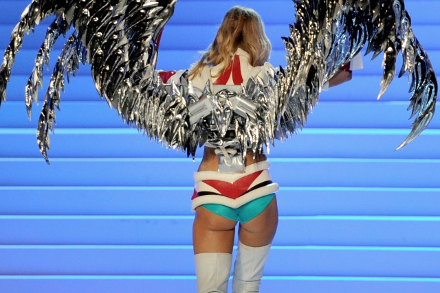 Victoria's Secret Fashion Show sexy pictures | Daily Girls @ Female Update