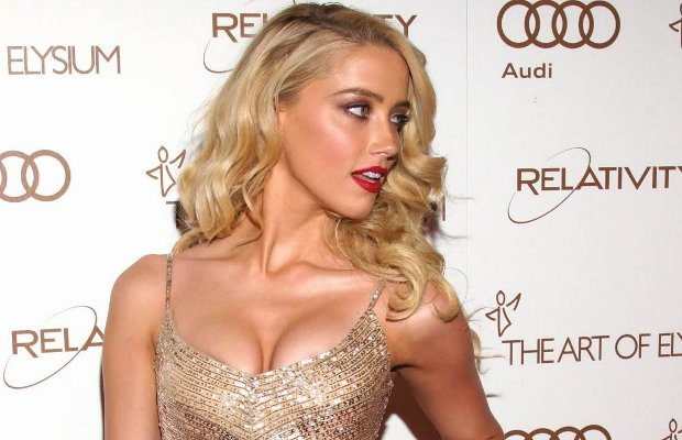 Amber Heard Shows Off Her Cleavage | Daily Girls @ Female Update