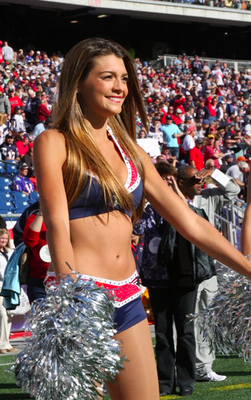 Doug Flutie's Daughter  Patriots Cheerleader | Daily Girls @ Female Update