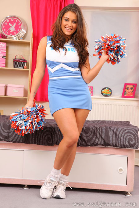 Cheerleader Upskirt and Cameltoe | Daily Girls @ Female Update