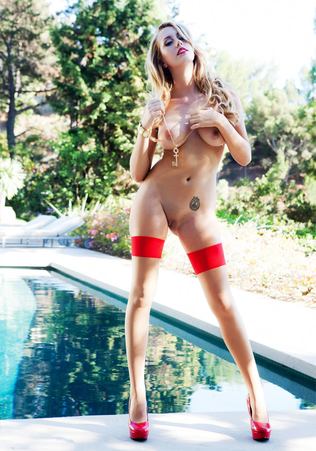 Stunning Nude Pinup Brett Rossi | Daily Girls @ Female Update
