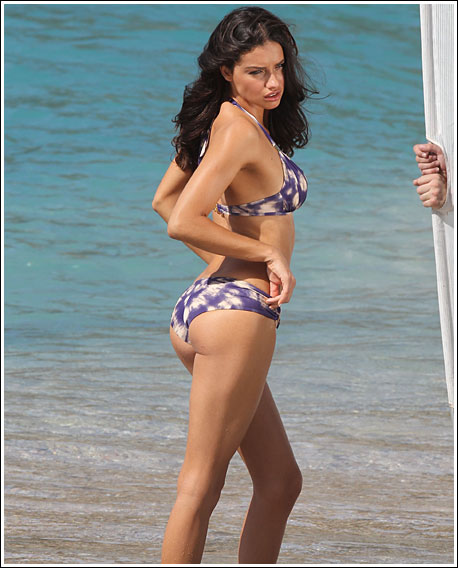 Adriana Lima's Candid Bikini Pictures | Daily Girls @ Female Update