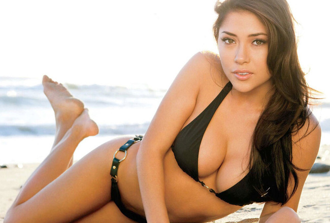 Arianny Celeste's Hottest Bikini Photos | Daily Girls @ Female Update