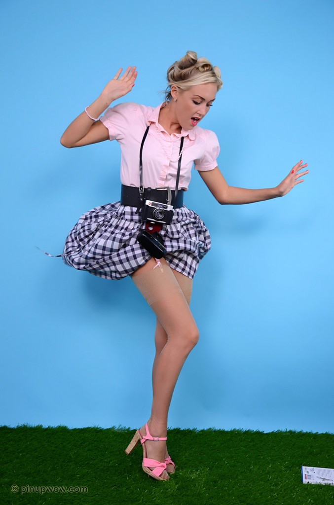 Pin Up WOW | Daily Girls @ Female Update