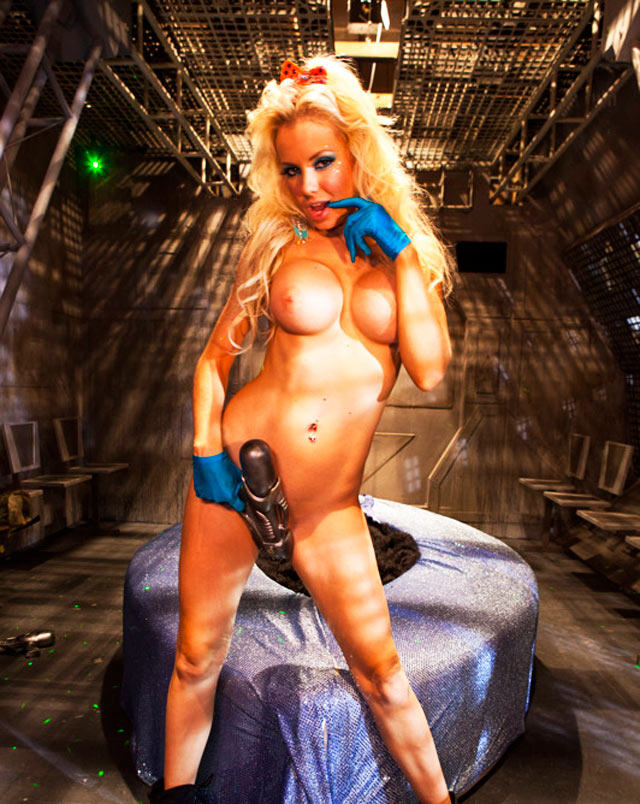 Busty Invaders From Mars XXX Parody | Daily Girls @ Female Update