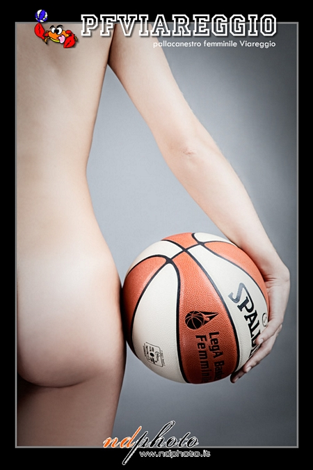Italian Basketball Team Poses for a Nude Calendar | Daily Girls @ Female Update