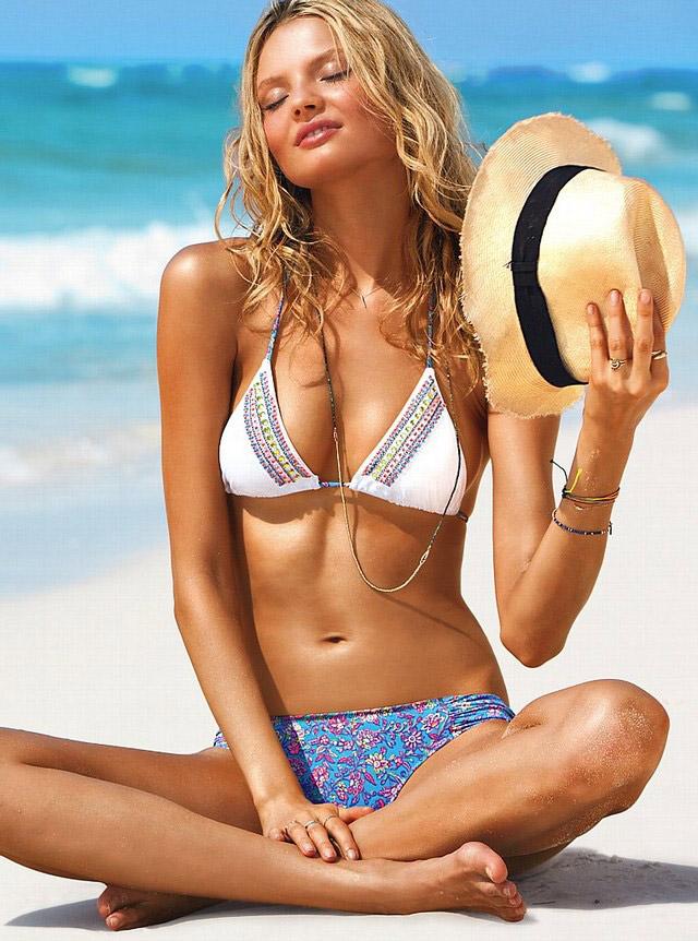 Magdalena Frackowiak shows off her lingerie   Daily Girls @ Female Update