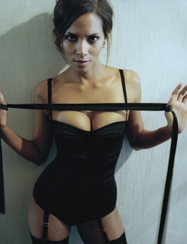 Halle Berry | Daily Girls @ Female Update