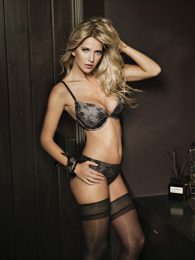 Luisana Lopilato pics | Daily Girls @ Female Update