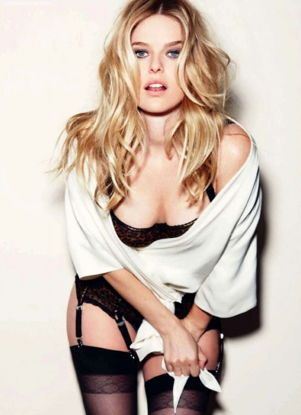 Hot Pictures of Men In Black 3 Hottie, Alice Eve | Daily Girls @ Female Update