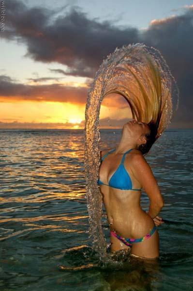 Hot Girl + Hair Toss = Amazing | Daily Girls @ Female Update