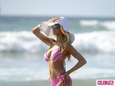 Courtney Stodden's Bikini Fun in Malibu | Daily Girls @ Female Update