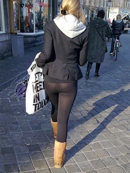 Candid Girls in Leggings or Pantyhose | Daily Girls @ Female Update