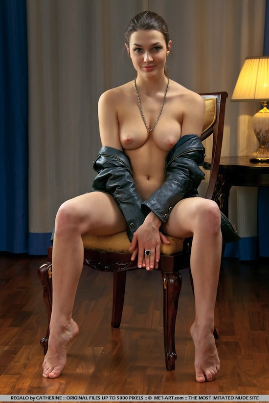 Gorgeous Naked Babe Vanda B | Daily Girls @ Female Update