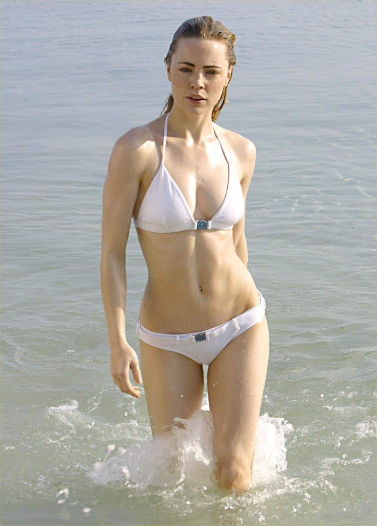 Melissa George showing off her Sexy Bikini Body | Daily Girls @ Female Update