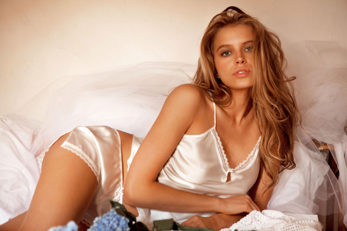 Say hello to the uber cute Tanya Mityushina! | Daily Girls @ Female Update