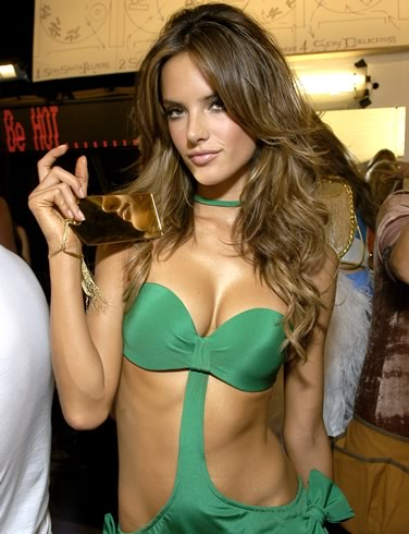 Alessandra Ambrosio Pictures | Daily Girls @ Female Update