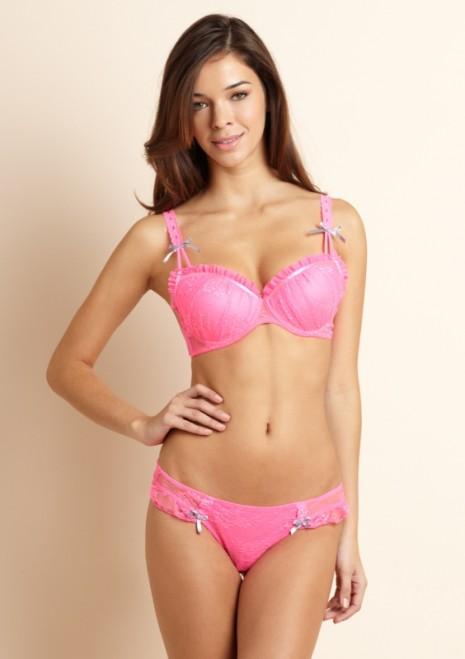 Model Michelle Lynn Salituro | Daily Girls @ Female Update