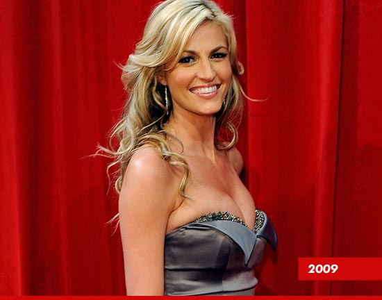 Erin Andrews' Boobs — Too Good to Be True? | Daily Girls @ Female Update
