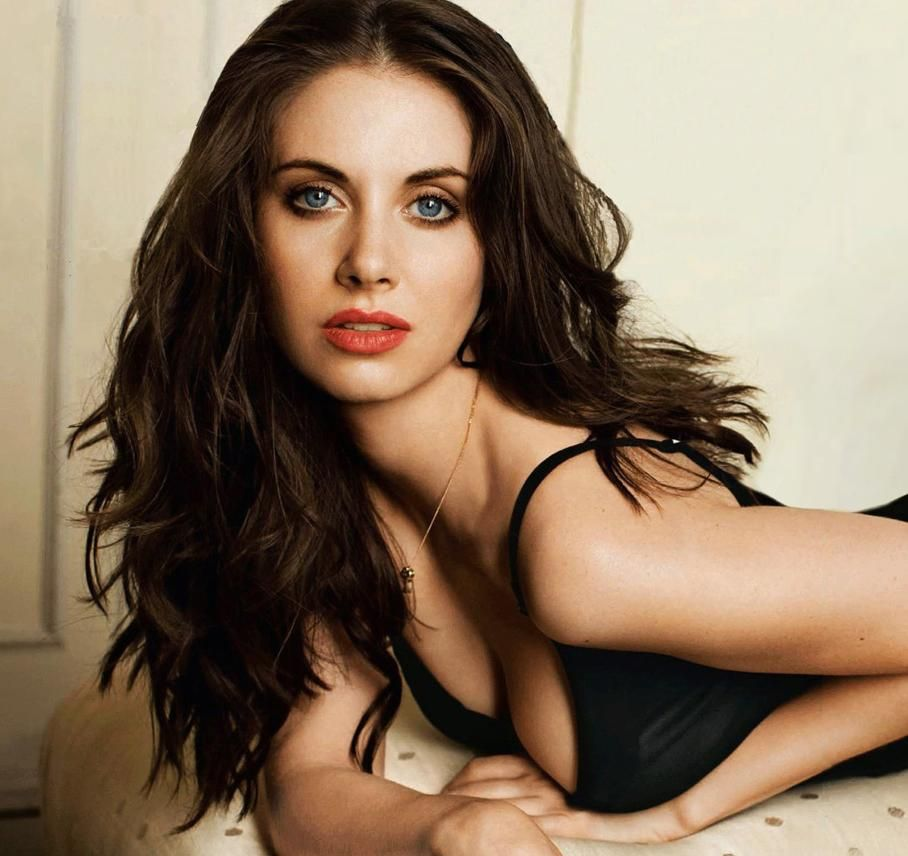 Alison Brie Hot Pictures, Videos and Gifs | Top 13 | Daily Girls @ Female Update