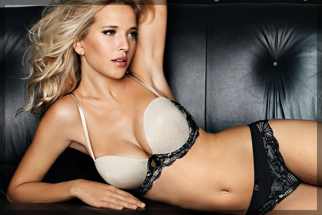 Luisana Lopilato | The Smoking Jacket | Daily Girls @ Female Update