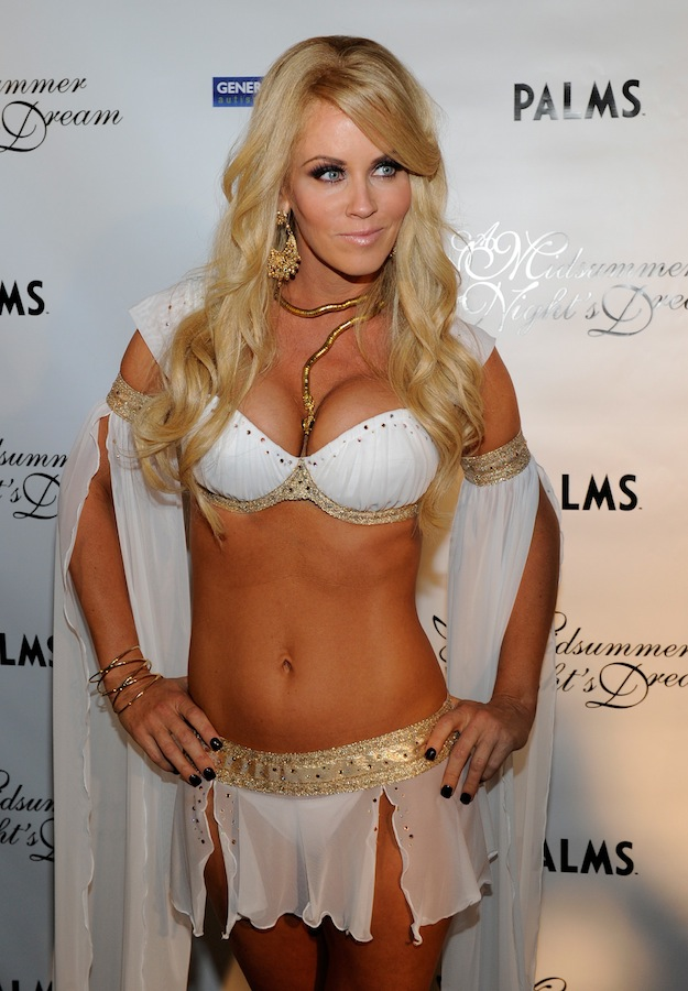 Jenny McCarthy Got it On With Playboy Playmates | Daily Girls @ Female Update