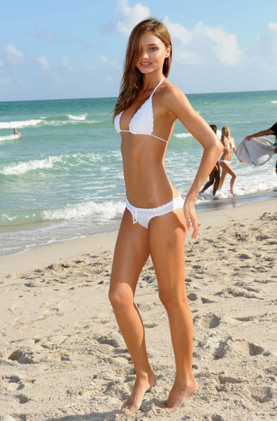 Beach Babe – Miranda Kerr Bikini Pics | Daily Girls @ Female Update
