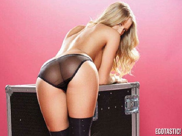 Danica Thrall Thrills Them All Once Again | Daily Girls @ Female Update
