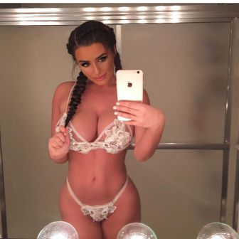 Abigail Ratchford Queen of Curves