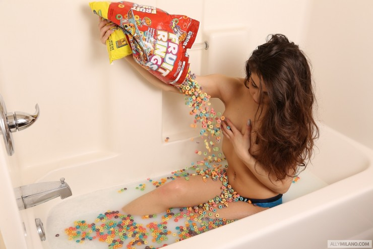 Ally Milano Takes a Fruit Rings Bath   Daily Girls @ Female Update