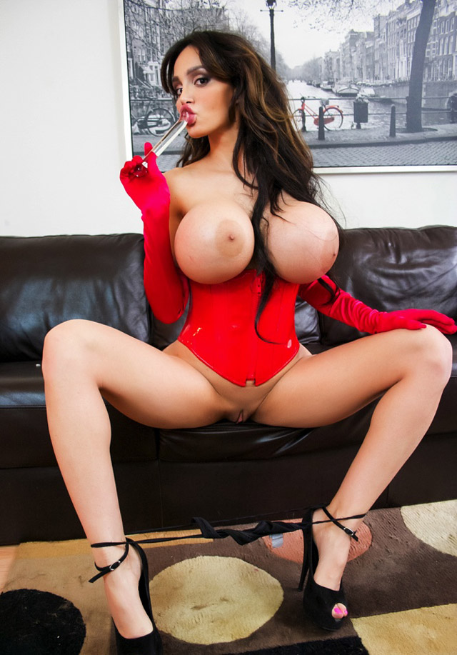 Amy Anderssen | Daily Girls @ Female Update