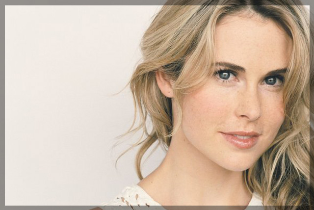"""Anna Hutchison: Crushing on """"Femme on Fire"""""""