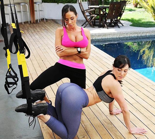 Ariella Ferrera & Kendra Lust Sexercise MILFs   Daily Girls @ Female Update