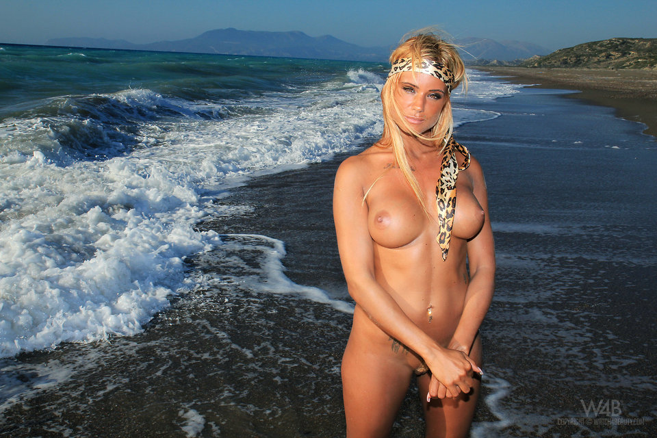 Ashley Bulgari in waves – nude photo gallery | Daily Girls @ Female Update