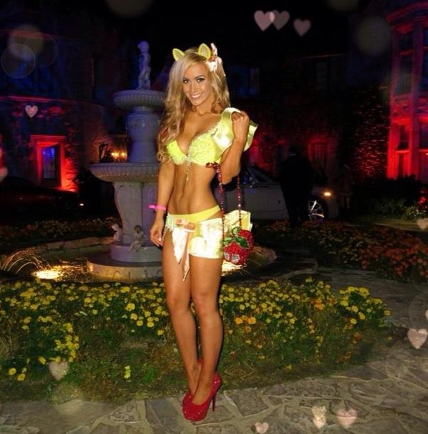 Aussie Ellie Gonsalves In Her Halloween Costume | Daily Girls @ Female Update
