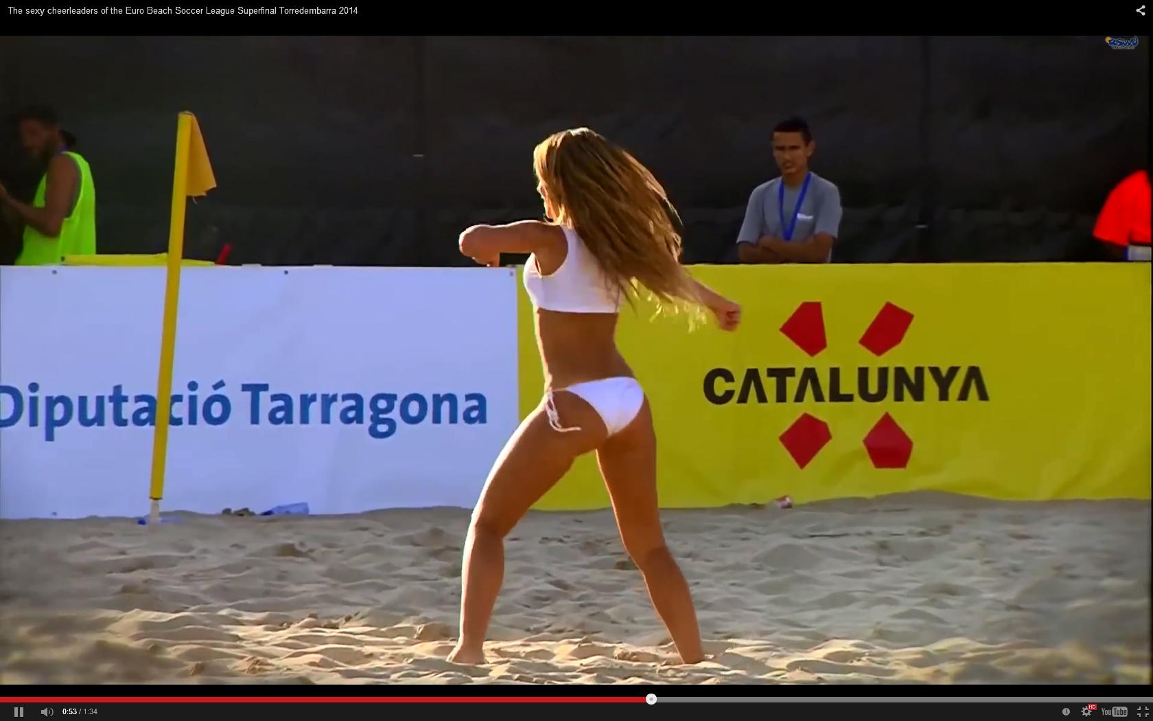 Beach Cheerleaders Dancing | Daily Girls @ Female Update