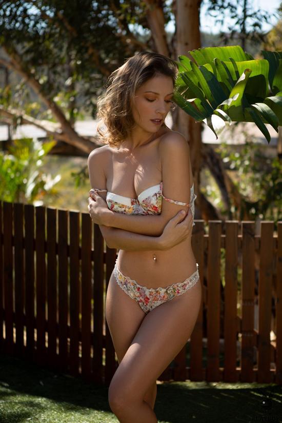 Beautiful Playboy girls strip and tease | Daily Girls @ Female Update