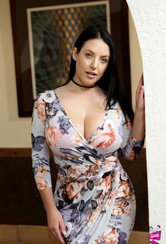 Big titted lesbos Dana Dearmond | Daily Girls @ Female Update