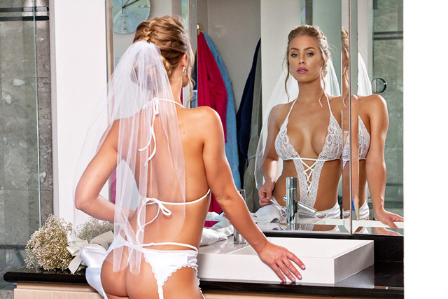 Bride Nicole Aniston Cheats At Ceremony!
