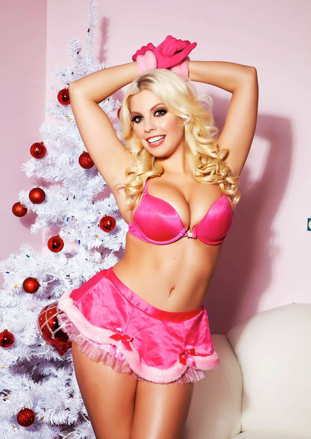 Britney Amber Wishes You A Merry Christmas | Daily Girls @ Female Update