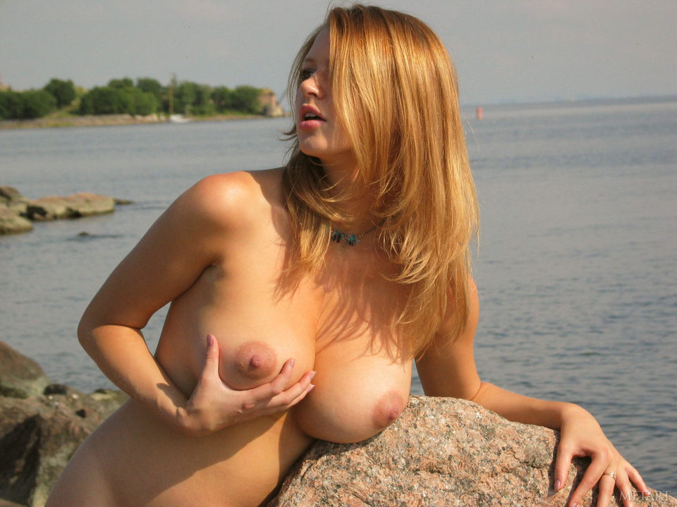 Busty Maria D – Met Art nude photo gallery | Daily Girls @ Female Update