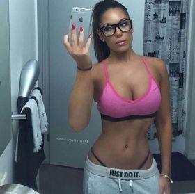 Cute Girls in Glasses Lookin' Fine | Daily Girls @ Female Update