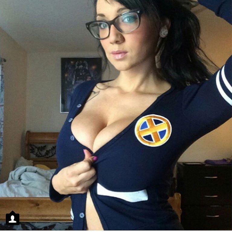 Cute Girls in Glasses