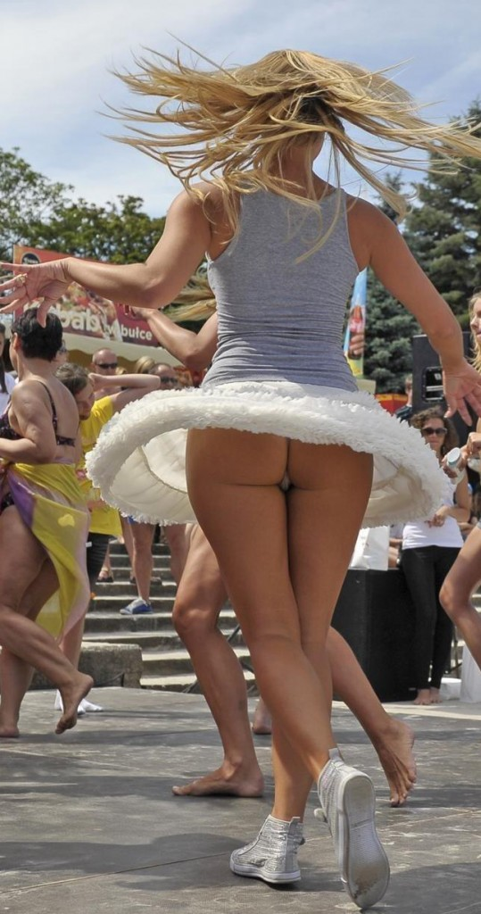 Dancing Upskirts (Twirling) | Daily Girls @ Female Update