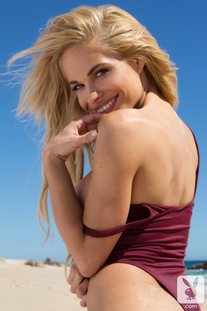 Dani Mathers – Playboy Playmate in a Swimsuit | Daily Girls @ Female Update