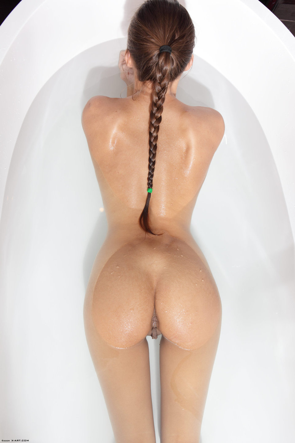Dominique Slippery When Wet – nude photo gallery
