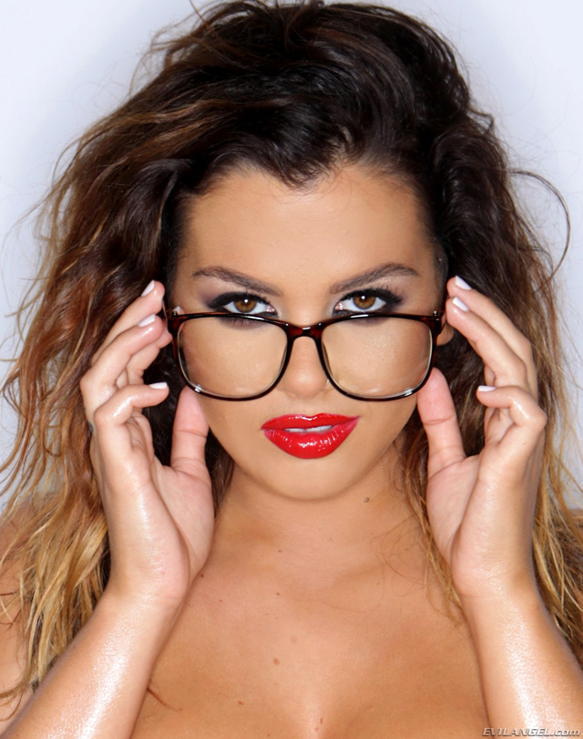 Girls In Glasses [X Rated!] | Daily Girls @ Female Update