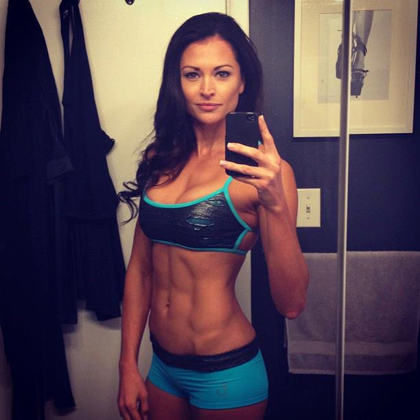 Girls With Six Packs: Hot Or Not?
