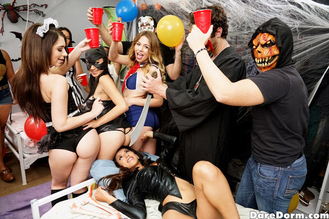 Halloween Party | Daily Girls @ Female Update