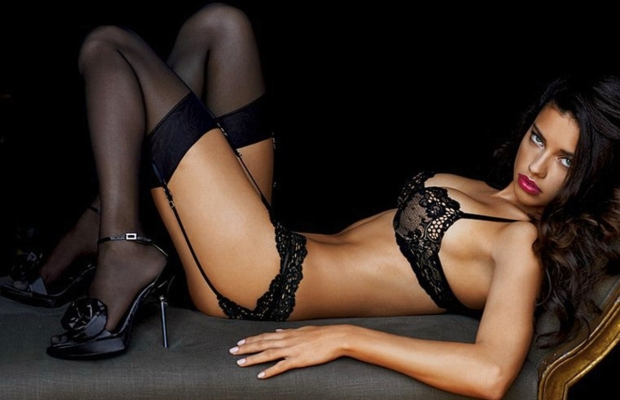 Hot Chicks in Sexy Lingerie